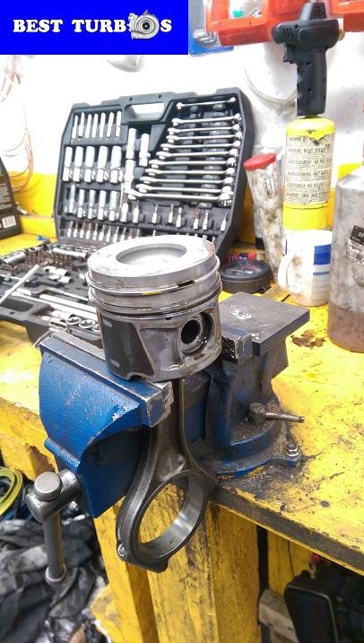 land rover specialists west midlands birmingham engine recon rebuild 2.7 3.6 tdv6 tdv8 turbos replacement engine timing shaft cam engine rebuild seized up con rod tdv8 vogue piston